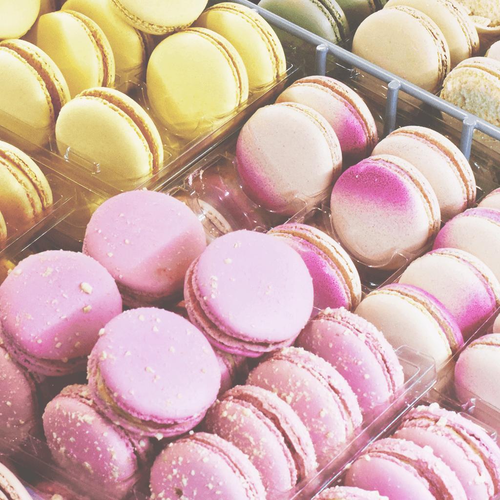 お菓子を我慢するのサムネイル画像